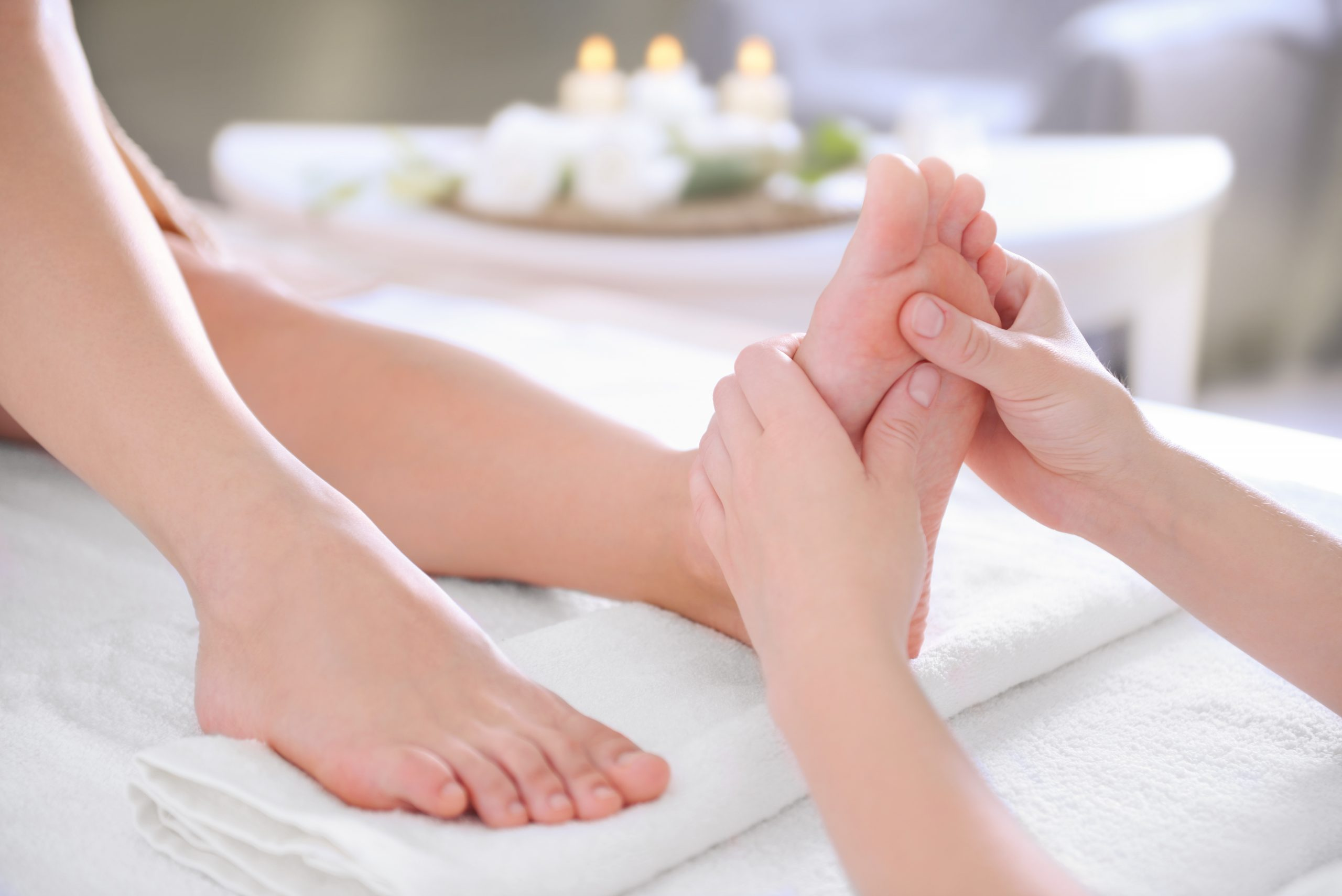 Relaxing foot Reflexology session